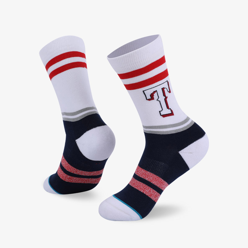 144N 黑红色身字母T普通袜