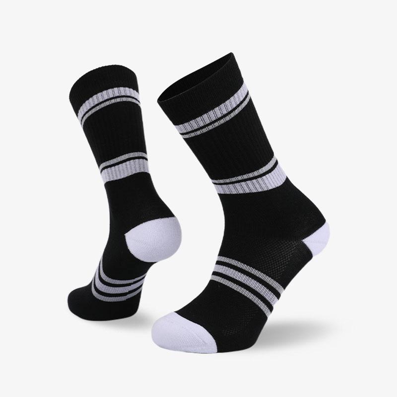 144N 黑底白条纹普通袜