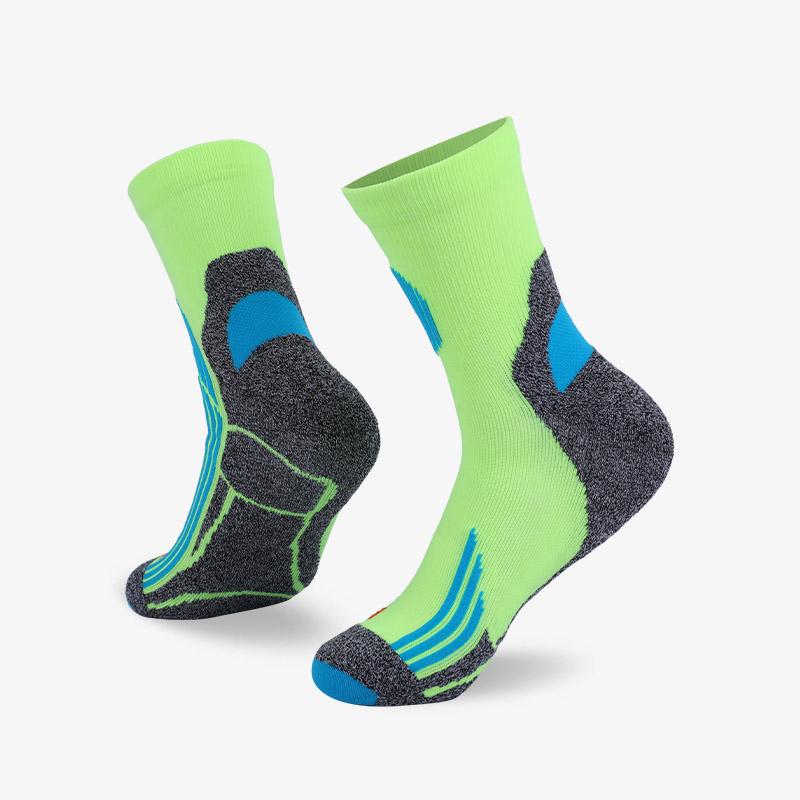 144N 灰绿色运动中袜