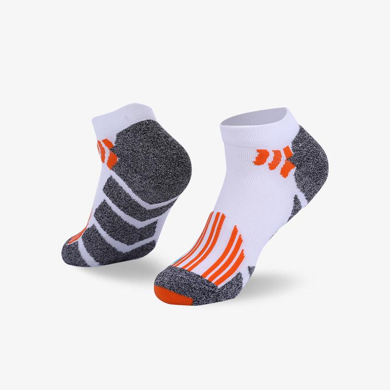 144N 白橘运动短袜