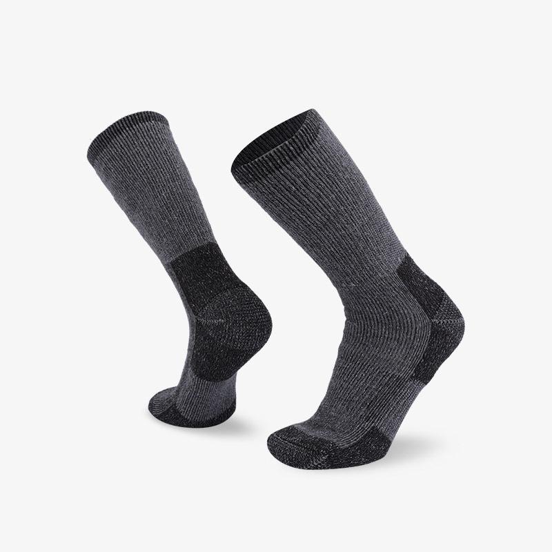 84N 深灰色登山袜